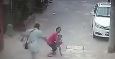 Người phụ nữ câm điếc bị dân mạng 'biến' thành kẻ bắt cóc trẻ em