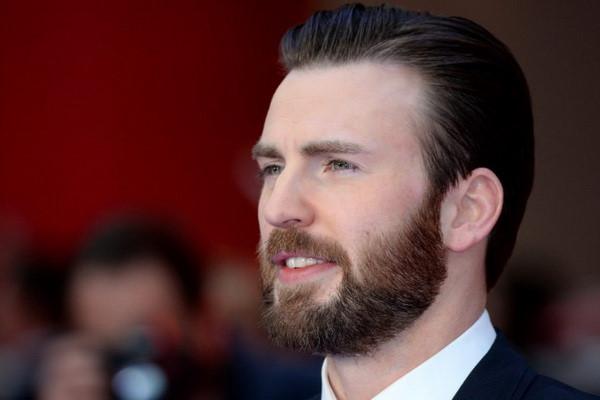 """Steve Rogers lấy danh tính mới trong """"Avengers 3"""""""