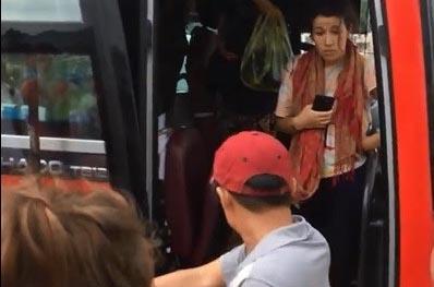 Nhân viên xe khách ném đồ, đuổi khách nước ngoài khỏi xe ở Nha Trang