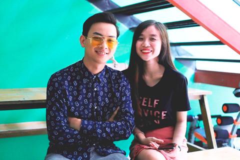 Hoài Lâm dẫn bạn gái 20 tuổi đi ghi hình