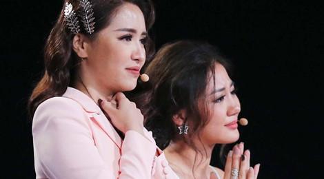 Văn Mai Hương khóc nức nở khi chia tay cô bé khiếm thị