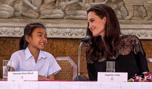 Angelina Jolie phủ nhận dùng tiền để chọn diễn viên nhí Campuchia