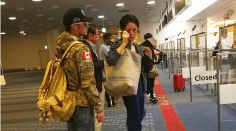 Giữa tin đồn chia tay, Vương Phi và Tạ Đình Phong cùng đi Nhật