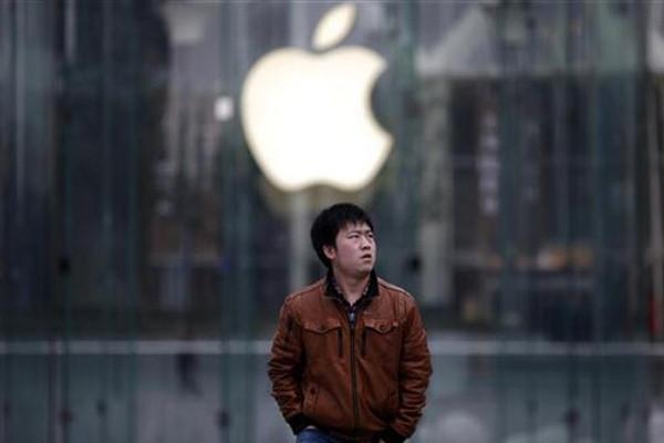 Apple cứng rắn với Mỹ nhưng ngoan ngoãn trước Trung Quốc