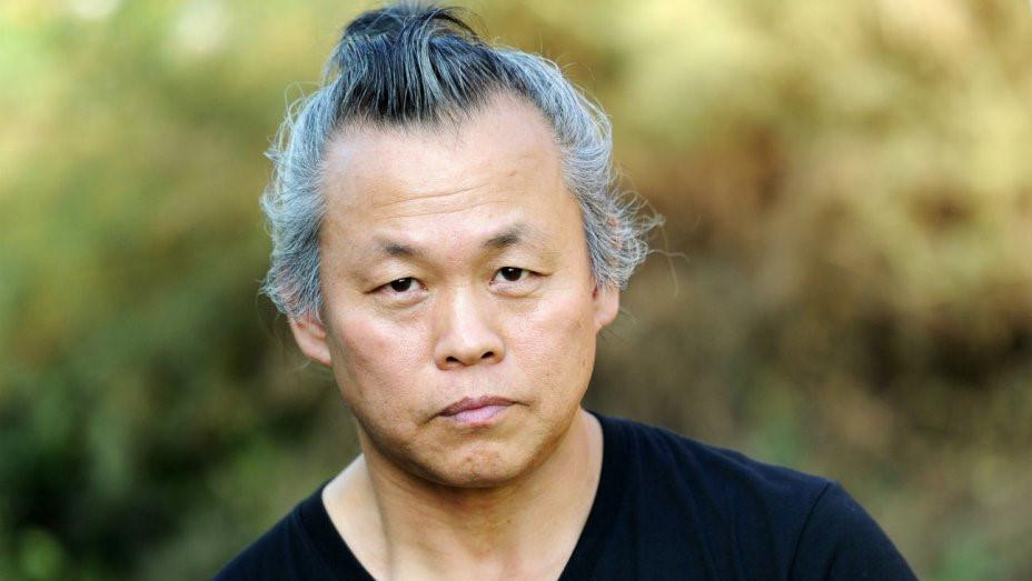 Đạo diễn hàng đầu Hàn Quốc bị tố cáo ép nữ diễn viên đóng cảnh nóng