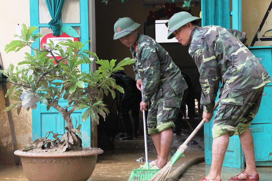 Gần 2.000 người tìm kiếm, cứu nạn ở Yên Bái sau lũ quét lịch sử