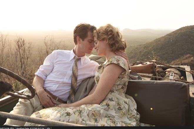 """""""Người Nhện"""" Andrew Garfield bị liệt, yêu say đắm trong phim mới"""