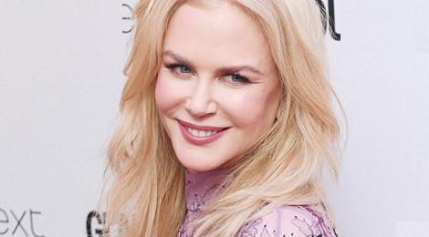 Nicole Kidman dừng tiêm botox vì không thể cử động trán