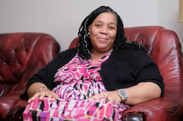 Gặp người phụ nữ da đen bị biến thành da trắng