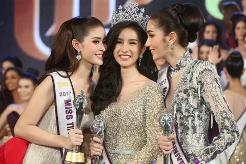 """Tân Hoa hậu chuyển giới Thái Lan được khen """"hơn cả thiên thần"""""""