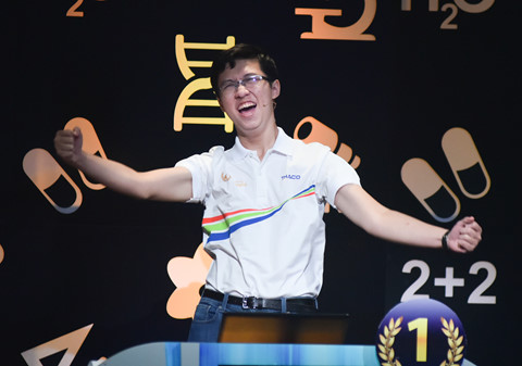 """Khoảnh khắc đăng quang Olympia của """"Cậu bé Google"""""""