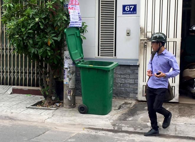Phát hiện thi thể bé trai sơ sinh trong thùng rác ở Sài Gòn