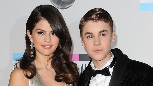 Instagram Selena Gomez bị hacker đăng ảnh khoả thân Justin Bieber