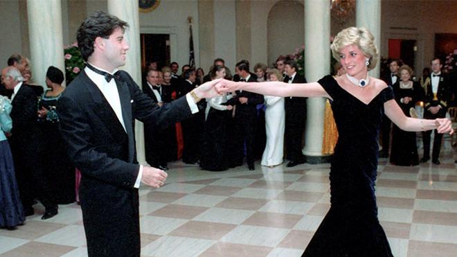 Những chiếc váy đi vào lịch sử của công nương Diana