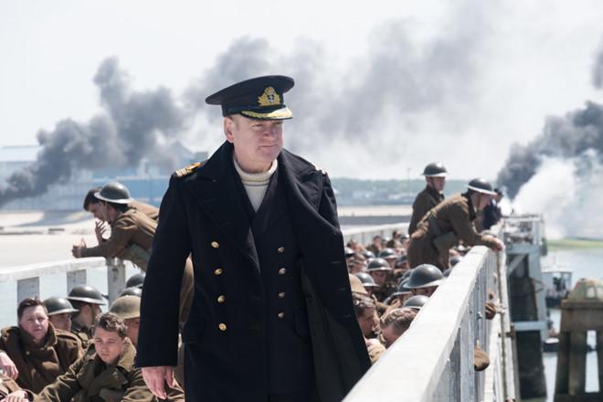 """Người Trung Quốc trách giận quân đội Anh trong bom tấn """"Dunkirk"""""""