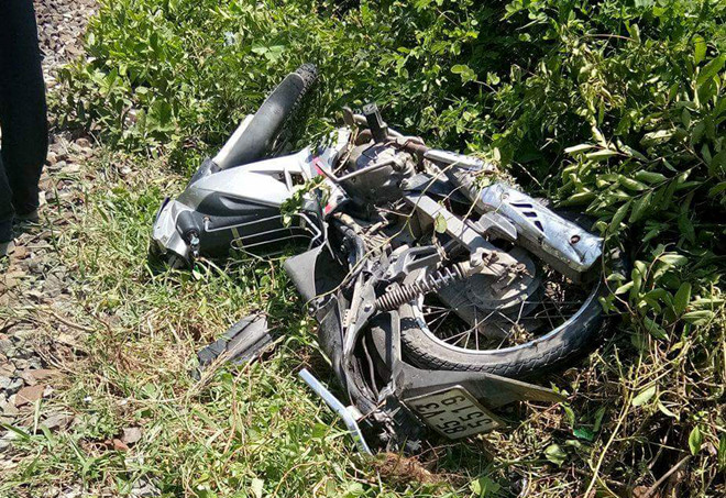 Tàu lửa tông xe máy, 2 phụ nữ tử vong tại chỗ