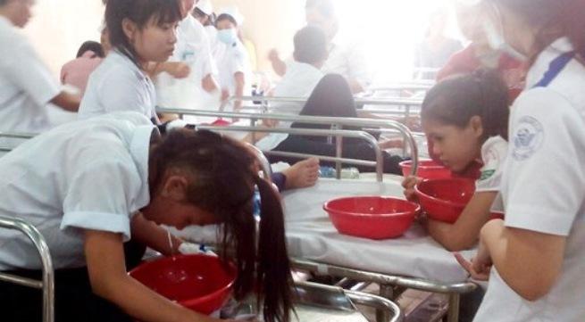 106 học sinh có dấu hiệu ngộ độc thực phẩm sau bữa ăn khai giảng