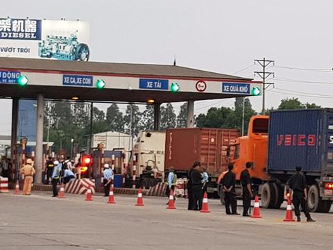 Trả tiền lẻ qua trạm quốc lộ 5: Đủ căn cứ sẽ khởi tố hành vi gây rối