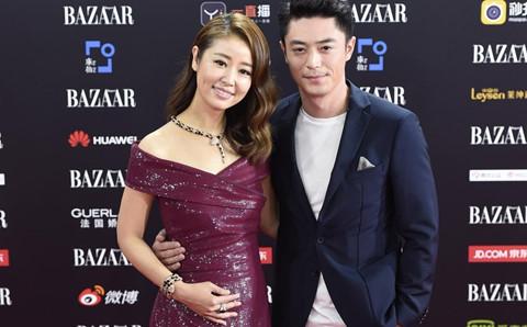 Sau kết hôn, Lâm Tâm Như - Hoắc Kiến Hoa lần đầu nắm tay trên thảm đỏ
