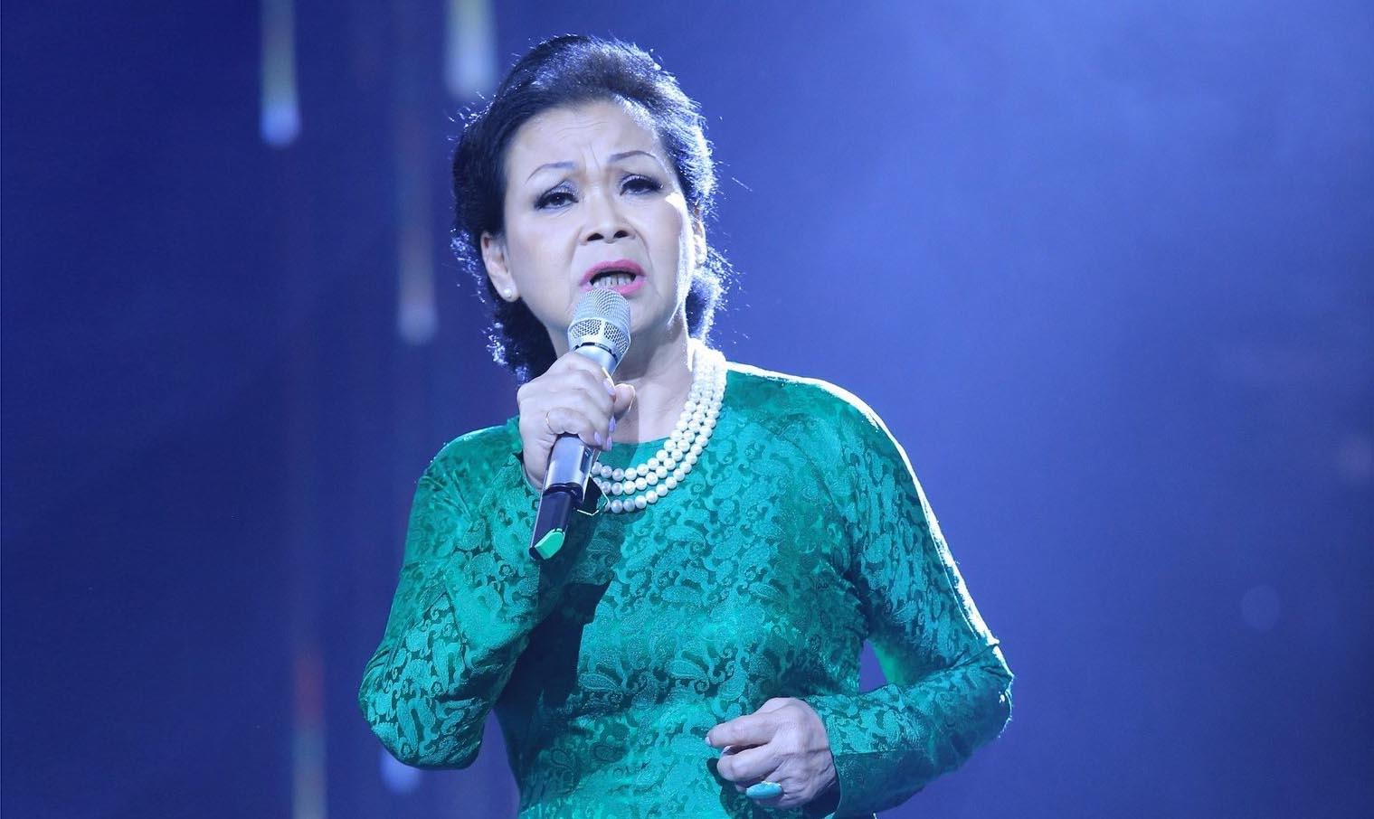 Khánh Ly đong đầy cảm xúc trong đêm nhạc kỷ niệm 55 năm ca hát