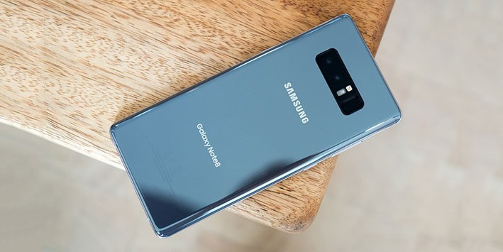Smartphone 1.000 USD: Càng đắt, người mua càng hào hứng