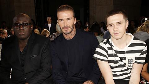 Beckham và con trai ngồi hàng ghế đầu ở tuần lễ thời trang New York