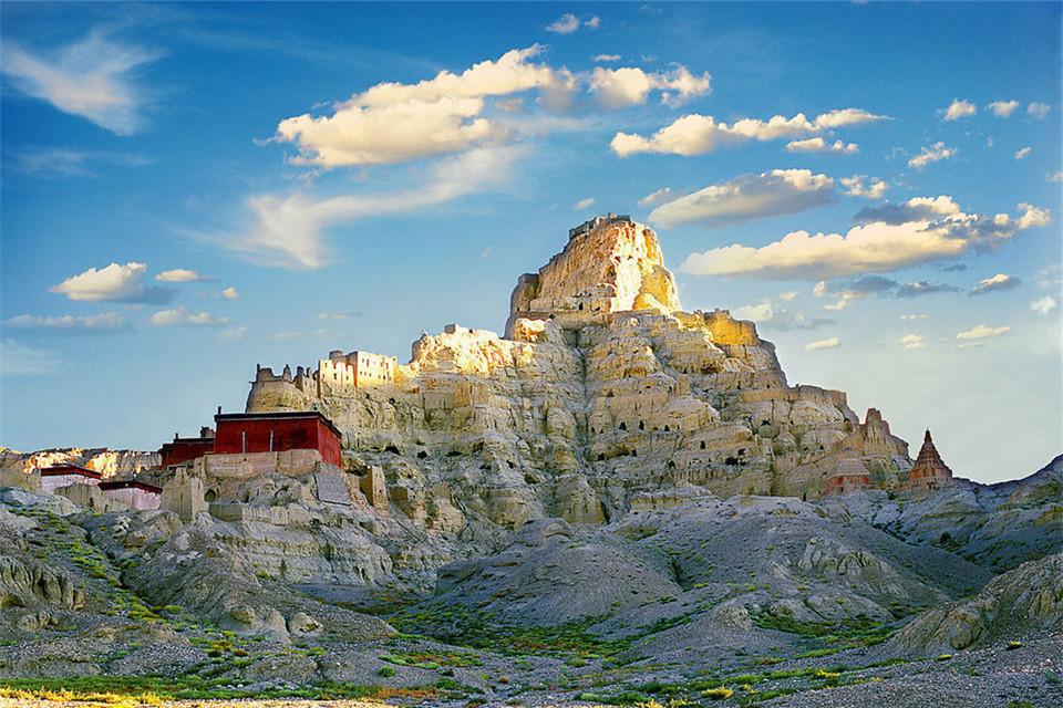 Tàn tích của vương quốc bí ẩn Guge ở Tây Tạng
