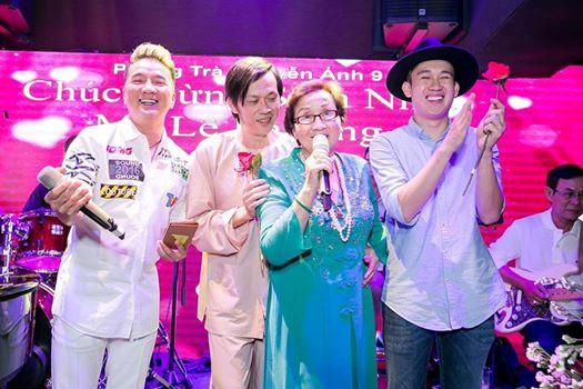 Hoài Linh, Đàm Vĩnh Hưng, Dương Triệu Vũ hội ngộ mừng sinh nhật mẹ