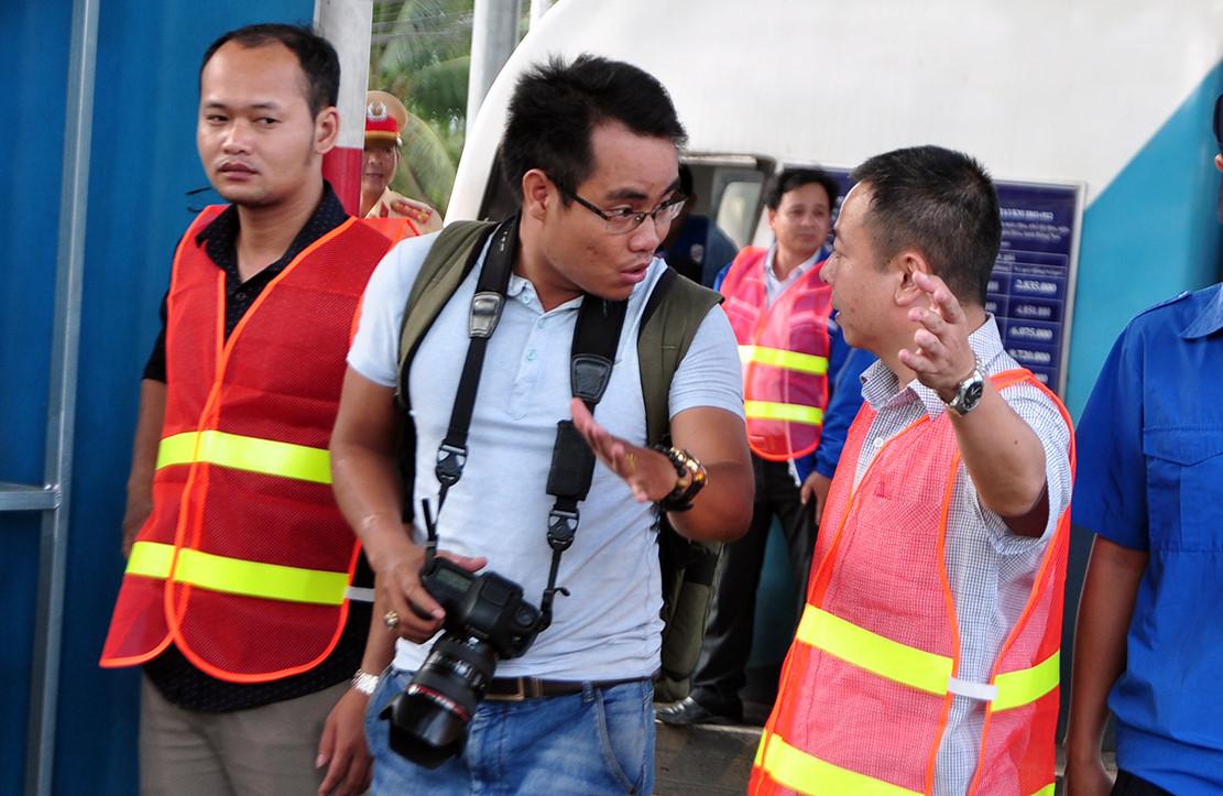 Phóng viên bị đuổi khi tác nghiệp ở trạm BOT tuyến tránh Biên Hòa