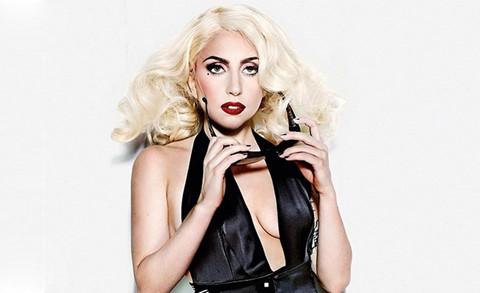 """Lady Gaga hoãn lưu diễn châu Âu vì """"những cơn đau nghiêm trọng"""""""