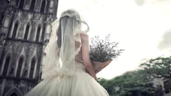 Yêu nhau 5 năm sắp cưới, Ex của người yêu xuất hiện khiến cô gái mất tất cả