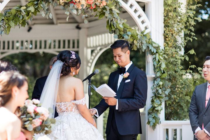 Đám cưới độc đáo của đôi trẻ tại công viên Disneyland