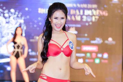 Thí sinh Hoa hậu Đại dương thi bikini: Người eo nhỏ, kẻ eo bánh mỳ