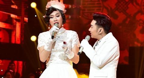Hoài Linh làm cô dâu xinh đẹp trong live show Quang Hà