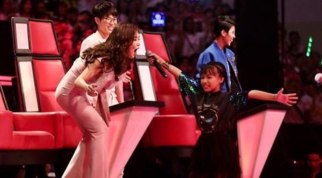 The Voice Kids: Hương Tràm hát rock cùng trò cưng