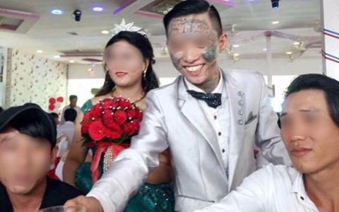 Chú rể xăm đầy mặt gây xôn xao trong đám cưới