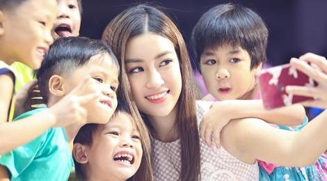 Đỗ Mỹ Linh, Thanh Tú đón Trung thu sớm cùng trẻ em nghèo