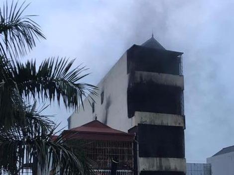 Hai bé gái tử vong trong căn nhà cháy lúc rạng sáng