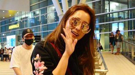 Kim Hee Sun đến Đà Nẵng nghỉ dưỡng cùng đoàn làm phim