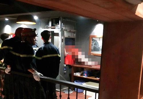 Nam thanh niên tử vong vì kẹt trong thang máy ở Hà Nội