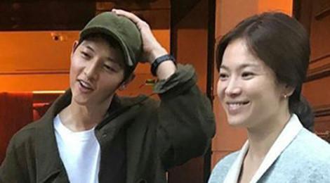 Song Joong Ki - Song Hye Kyo đi chơi Paris trước ngày cưới