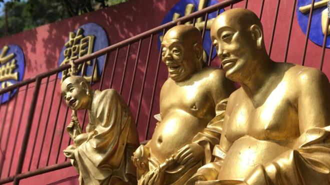 Tu viện có hơn 10.000 tượng Phật ở Hong Kong