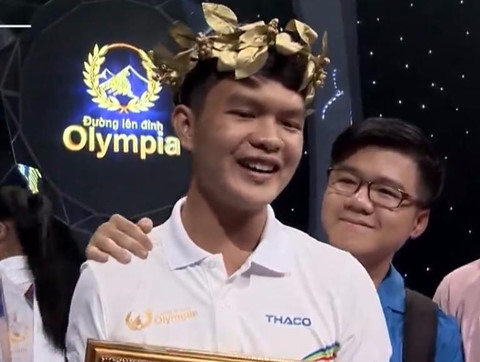 """Nam sinh Phú Yên """"quá nhanh, quá nguy hiểm"""" ở cuộc thi tuần Olympia"""