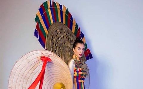Váy nón lá khổng lồ là trang phục dân tộc Việt Nam tại Miss Universe
