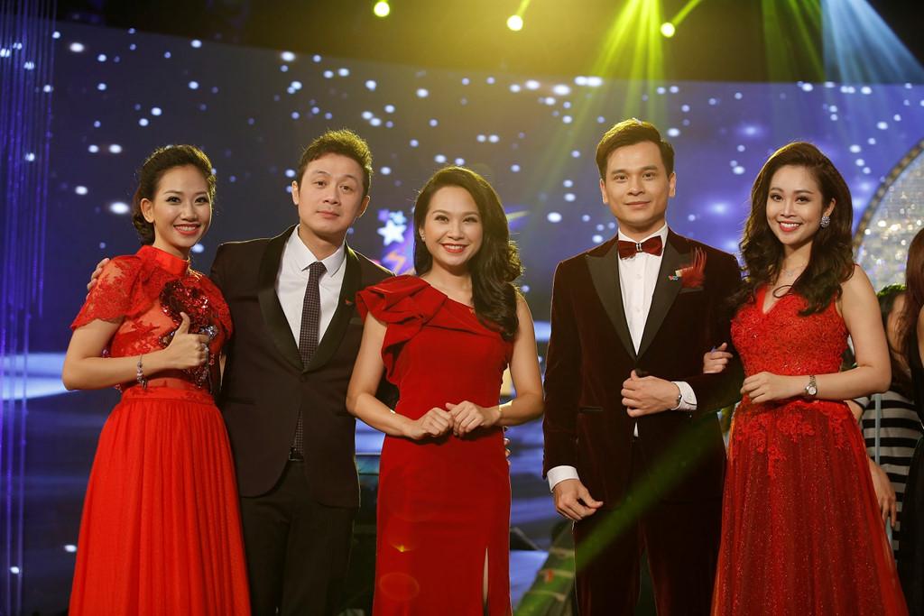 5 MC âm nhạc của VTV hội ngộ trên sân khấu Chung kết Sao Mai 2017