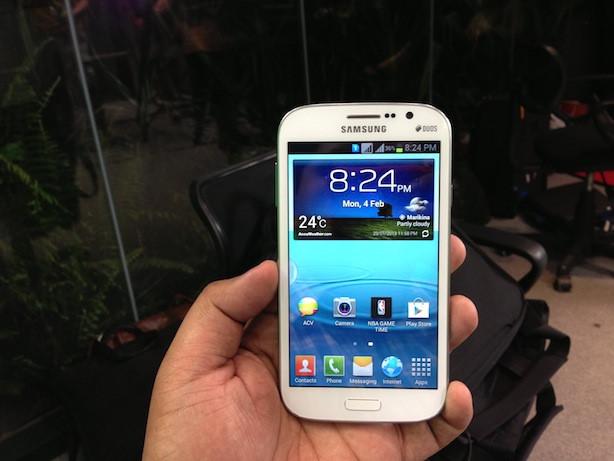 Điện thoại Samsung phát nổ trong túi áo khoác