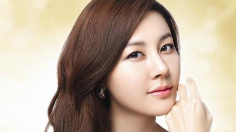 Kim Ha Neul mang thai con đầu lòng ở tuổi 39
