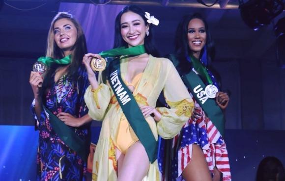 Hà Thu đoạt giải vàng Trang phục biển tại Miss Earth 2017