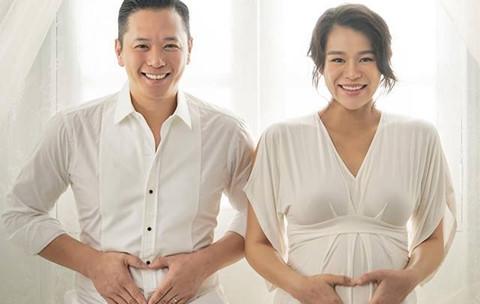 Hồ Hạnh Nhi đón con trai đầu lòng ở tuổi 37