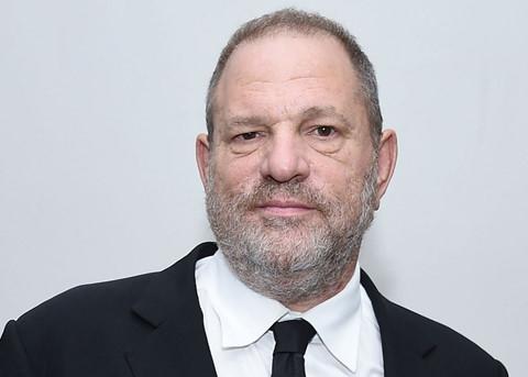 Scandal tình dục của ông trùm Hollywood: Ác thú không đơn độc săn mồi